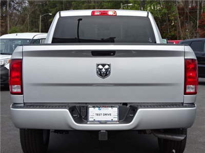 2018 Ram 1500 Quad Cab 4x2,  Pickup #594388 - photo 5
