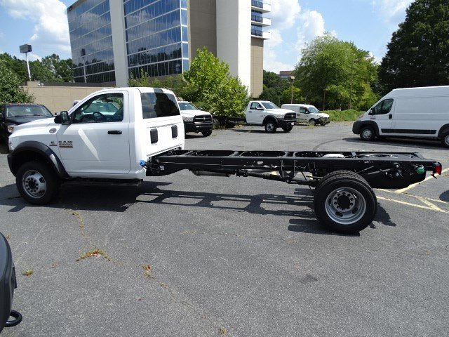 2018 Ram 5500 Regular Cab DRW 4x2,  Cab Chassis #595967 - photo 4