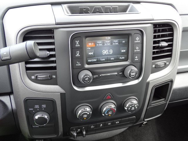 2018 Ram 2500 Crew Cab 4x4,  Pickup #596011 - photo 18