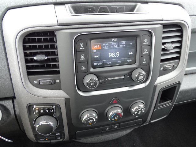 2019 Ram 1500 Crew Cab 4x4,  Pickup #596073 - photo 19