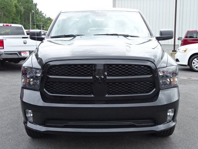 2019 Ram 1500 Crew Cab 4x4,  Pickup #596073 - photo 3