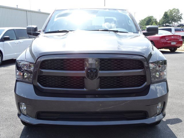 2019 Ram 1500 Crew Cab 4x4,  Pickup #596107 - photo 3