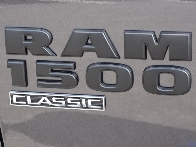2019 Ram 1500 Crew Cab 4x4,  Pickup #596107 - photo 9