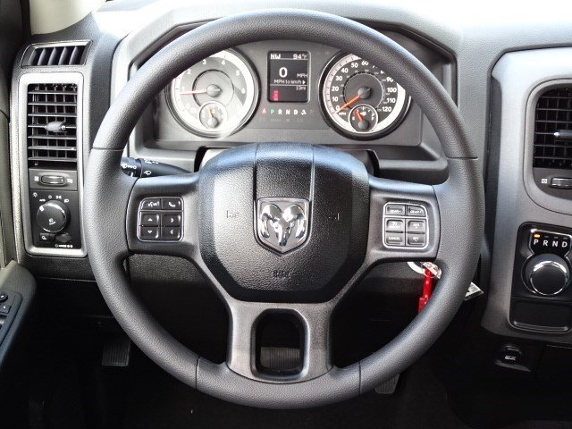 2019 Ram 1500 Crew Cab 4x2,  Pickup #596134 - photo 13