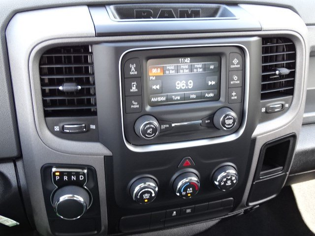 2019 Ram 1500 Crew Cab 4x2,  Pickup #596134 - photo 17