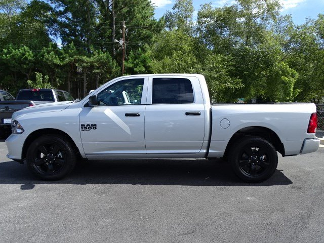 2019 Ram 1500 Crew Cab 4x2,  Pickup #596134 - photo 4