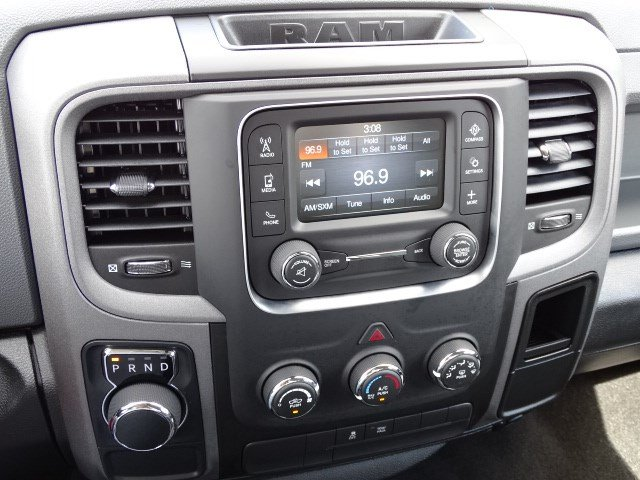2019 Ram 1500 Crew Cab 4x2,  Pickup #596206 - photo 17