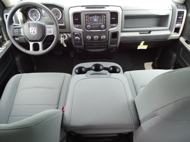 2019 Ram 1500 Crew Cab 4x2,  Pickup #596209 - photo 13