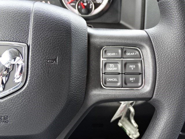 2019 Ram 1500 Crew Cab 4x2,  Pickup #596209 - photo 16