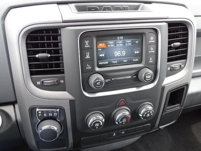 2019 Ram 1500 Crew Cab 4x2,  Pickup #596209 - photo 18