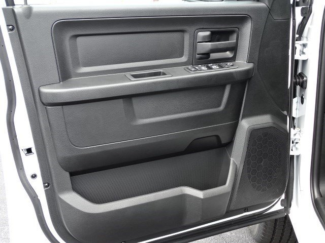 2019 Ram 1500 Crew Cab 4x2,  Pickup #596209 - photo 7