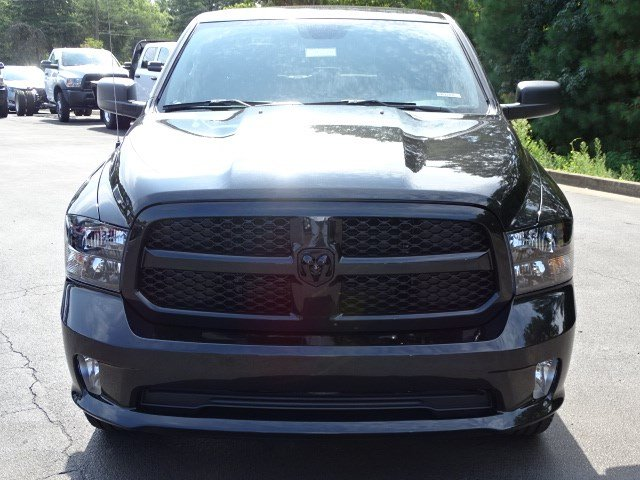 2019 Ram 1500 Crew Cab 4x4,  Pickup #596228 - photo 3