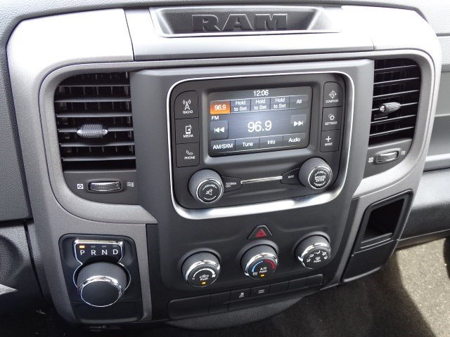 2019 Ram 1500 Crew Cab 4x2,  Pickup #596245 - photo 17
