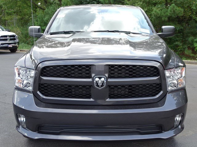 2019 Ram 1500 Crew Cab 4x2,  Pickup #596245 - photo 3