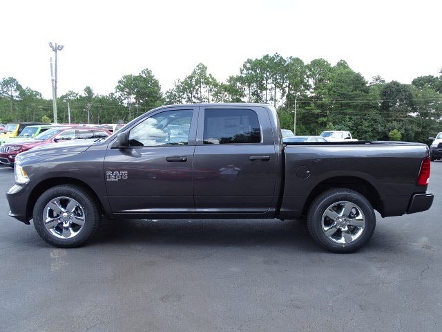 2019 Ram 1500 Crew Cab 4x2,  Pickup #596245 - photo 4