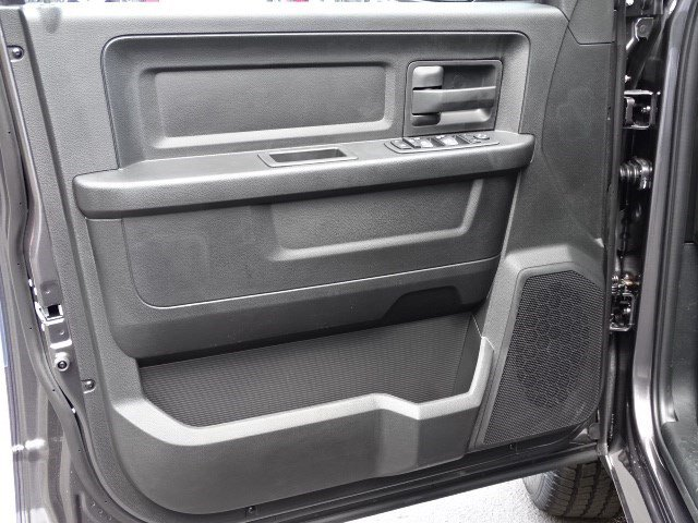 2019 Ram 1500 Crew Cab 4x2,  Pickup #596245 - photo 7