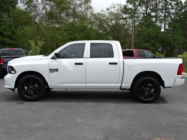 2019 Ram 1500 Crew Cab 4x2,  Pickup #596255 - photo 4