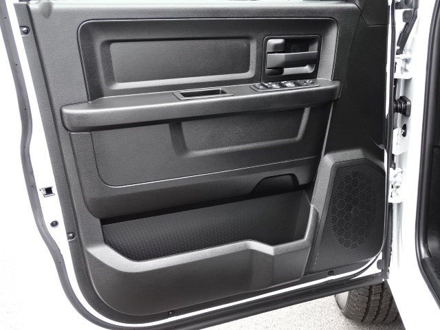 2019 Ram 1500 Crew Cab 4x2,  Pickup #596255 - photo 7