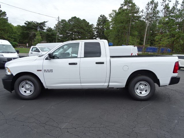 2018 Ram 1500 Quad Cab 4x2,  Pickup #596336 - photo 4