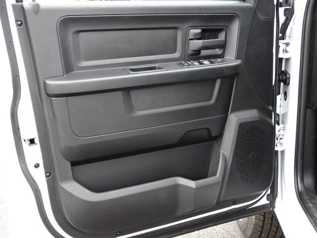 2019 Ram 1500 Quad Cab 4x2,  Pickup #596528 - photo 7