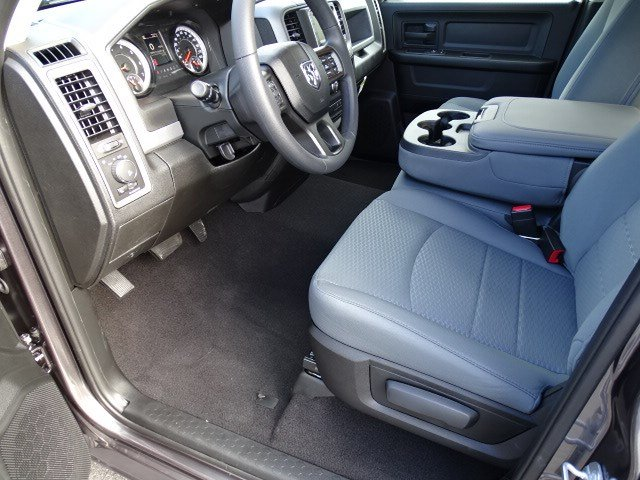 2019 Ram 1500 Quad Cab 4x2,  Pickup #596568 - photo 6