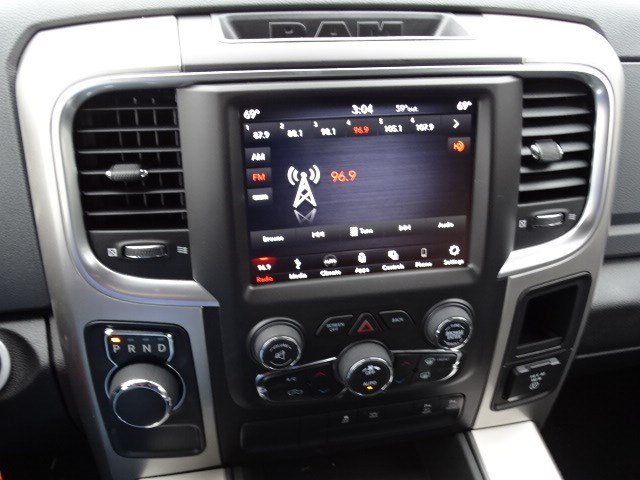 2019 Ram 1500 Crew Cab 4x2,  Pickup #596569 - photo 19