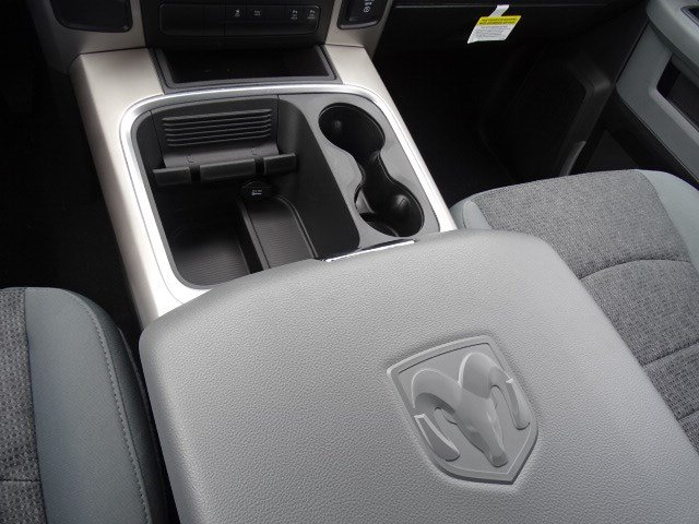 2019 Ram 1500 Crew Cab 4x2,  Pickup #596569 - photo 21