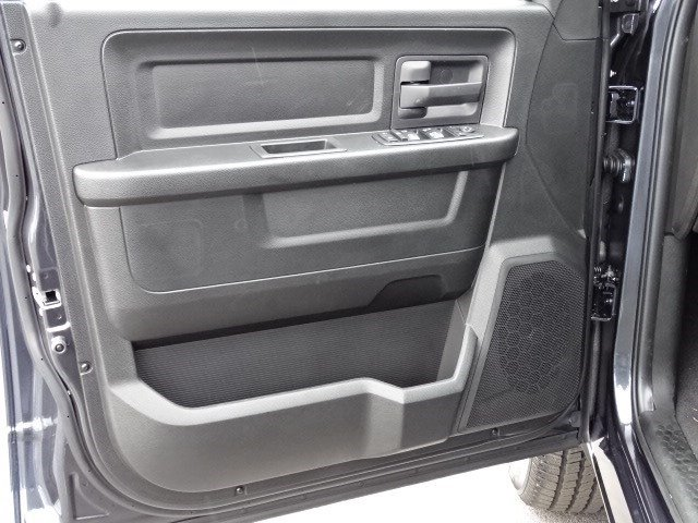 2019 Ram 1500 Quad Cab 4x4,  Pickup #596638 - photo 8