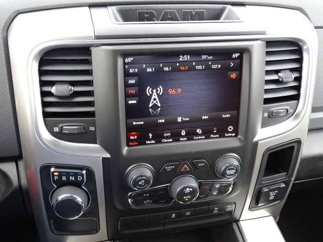 2019 Ram 1500 Crew Cab 4x2,  Pickup #596646 - photo 19