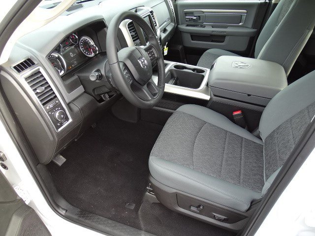 2019 Ram 1500 Crew Cab 4x2,  Pickup #596646 - photo 7