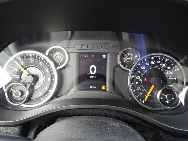 2019 Ram 1500 Crew Cab 4x2,  Pickup #596684 - photo 16