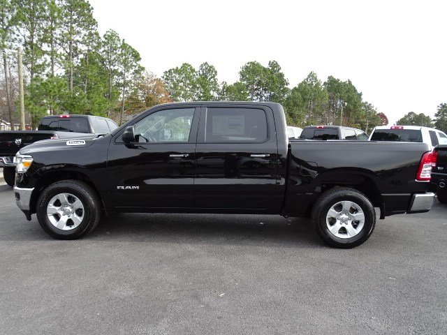 2019 Ram 1500 Crew Cab 4x2,  Pickup #596684 - photo 4