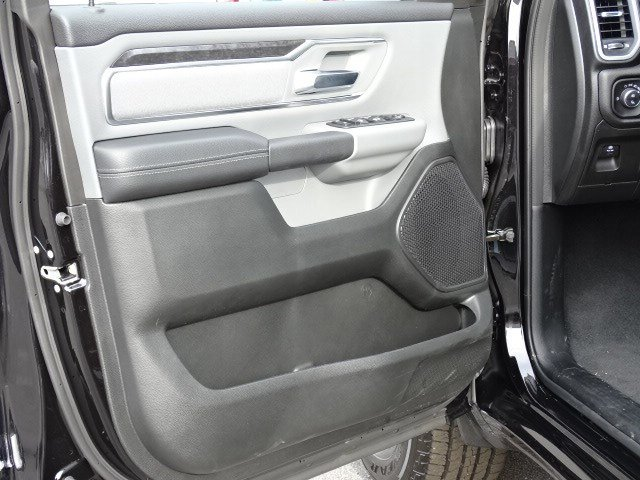 2019 Ram 1500 Crew Cab 4x2,  Pickup #596684 - photo 8