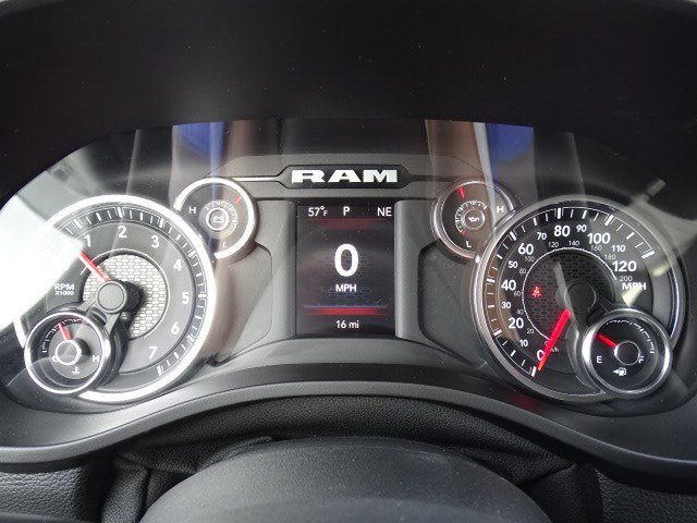 2019 Ram 1500 Crew Cab 4x2,  Pickup #596687 - photo 17