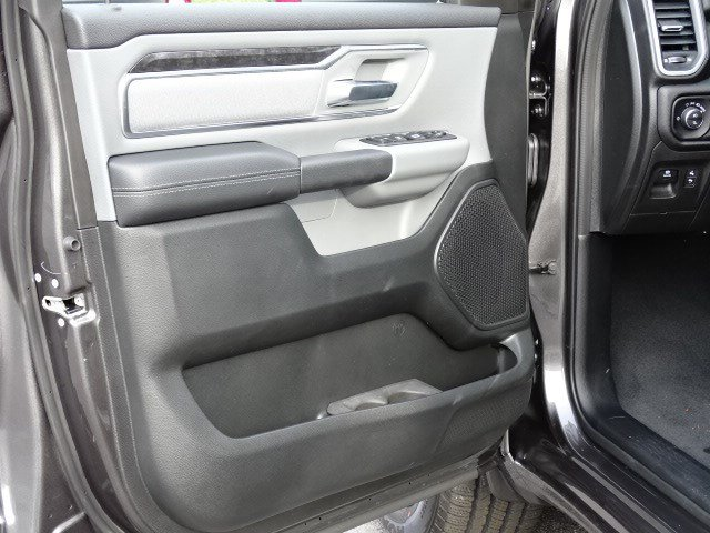 2019 Ram 1500 Crew Cab 4x2,  Pickup #596687 - photo 8