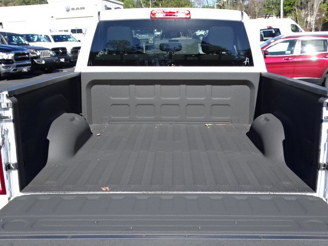 2018 Ram 1500 Quad Cab 4x2,  Pickup #596883 - photo 11
