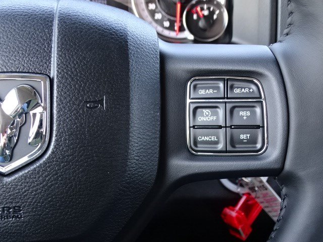 2019 Ram 1500 Crew Cab 4x2,  Pickup #597115 - photo 17