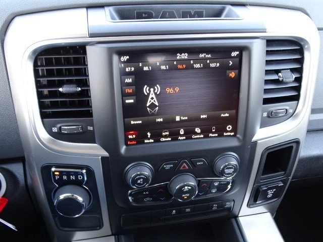 2019 Ram 1500 Crew Cab 4x2,  Pickup #597115 - photo 19