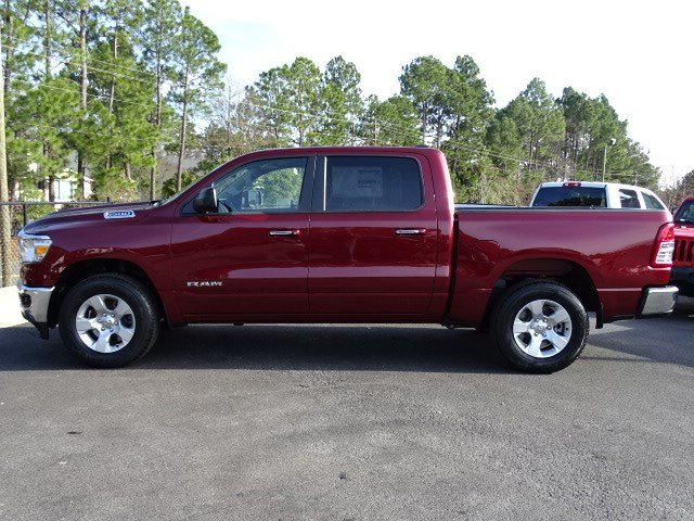2019 Ram 1500 Crew Cab 4x2,  Pickup #597116 - photo 4