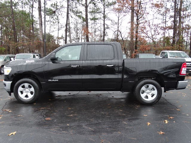 2019 Ram 1500 Crew Cab 4x2,  Pickup #597117 - photo 4