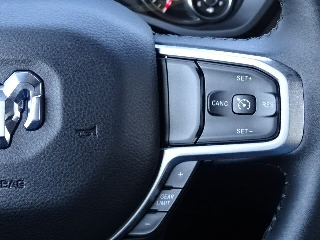 2019 Ram 1500 Crew Cab 4x2,  Pickup #597119 - photo 16
