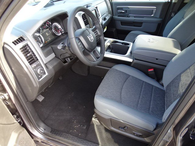 2019 Ram 1500 Crew Cab 4x2,  Pickup #597189 - photo 7