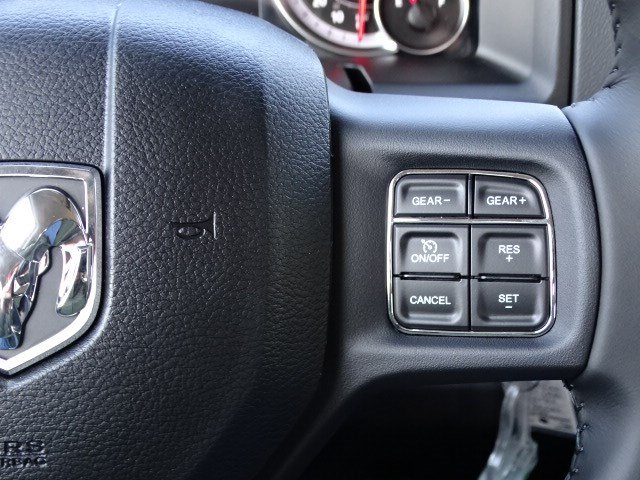 2019 Ram 1500 Crew Cab 4x2,  Pickup #597528 - photo 17