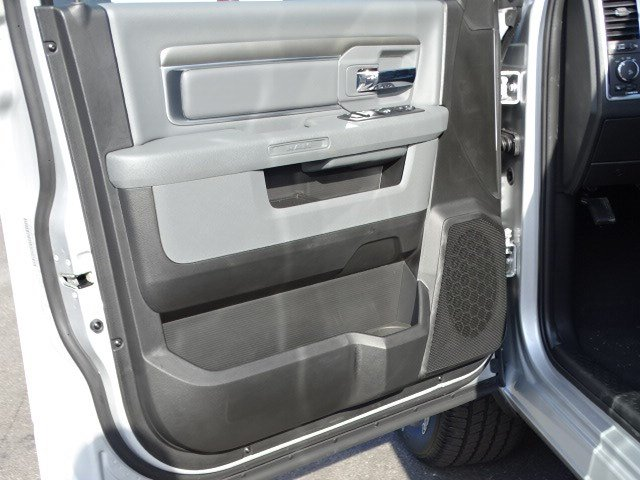2019 Ram 1500 Crew Cab 4x2,  Pickup #597528 - photo 8