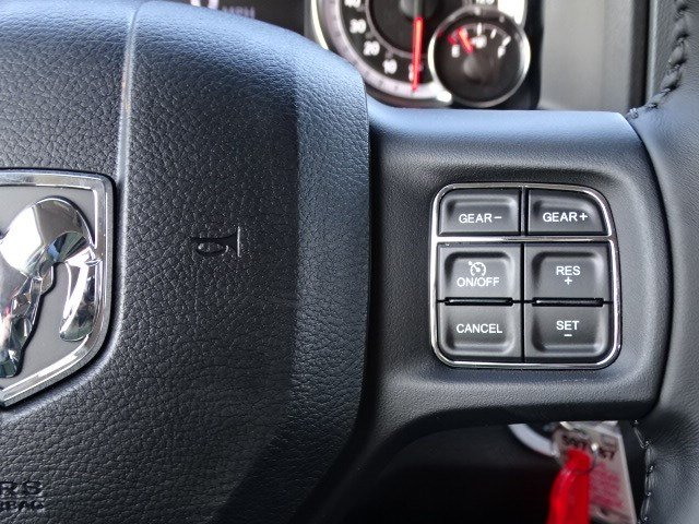 2019 Ram 1500 Crew Cab 4x2,  Pickup #597587 - photo 17