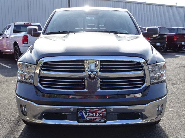 2019 Ram 1500 Crew Cab 4x2,  Pickup #597587 - photo 3