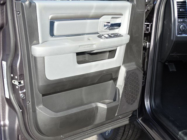 2019 Ram 1500 Crew Cab 4x2,  Pickup #597587 - photo 8
