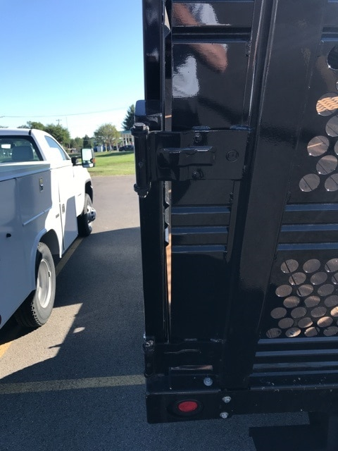 2017 Sierra 3500 Regular Cab DRW 4x4,  Reading Redi-Rack Landscape Dump #B17301333 - photo 3