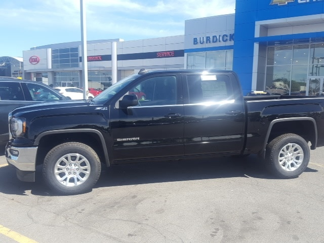 2018 Sierra 1500 Crew Cab 4x4,  Pickup #B18301118 - photo 3