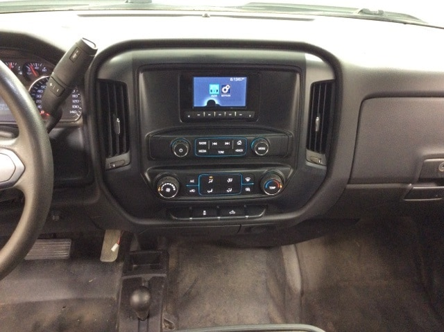 2015 Silverado 3500 Regular Cab 4x4,  Stake Bed #B15UR9606 - photo 26